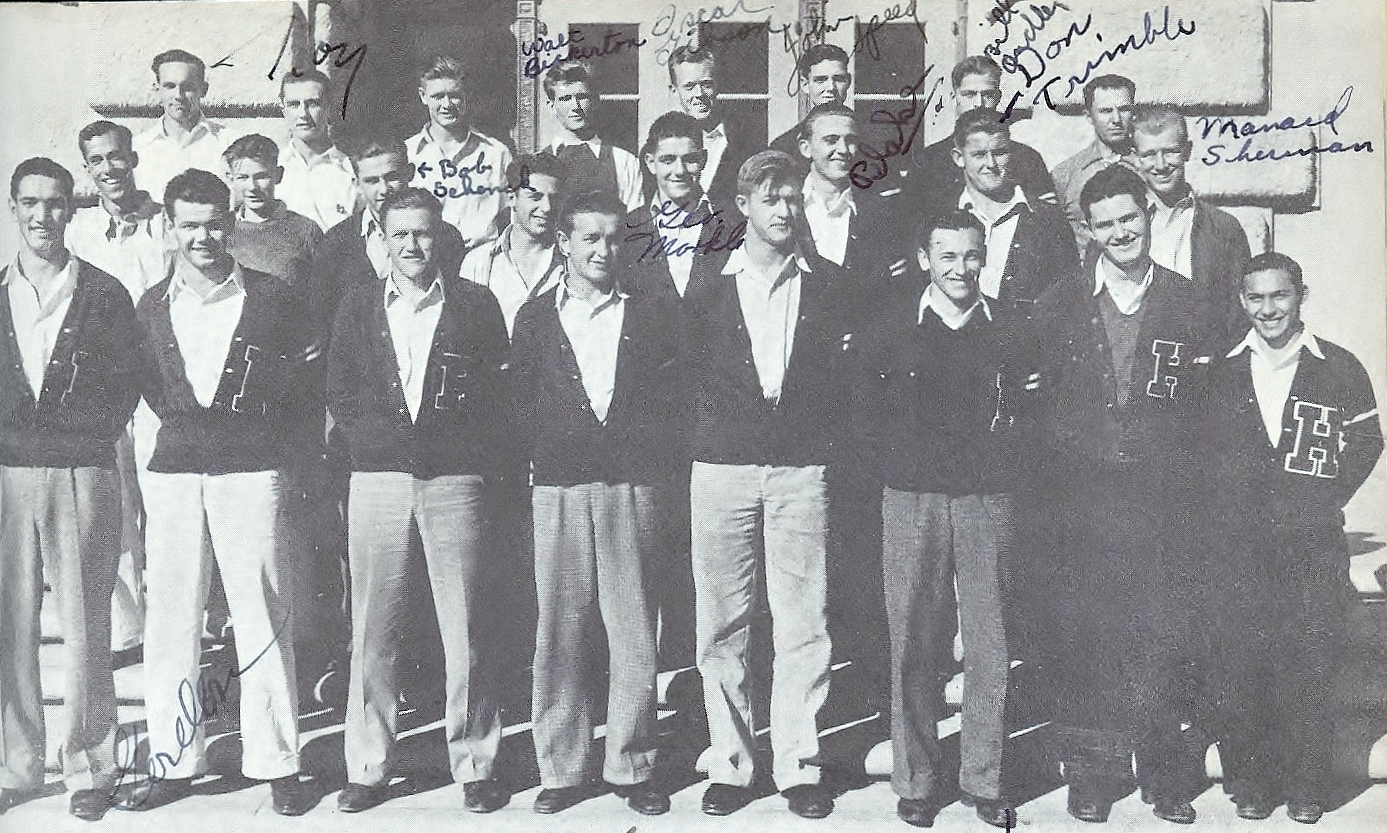 Harvey, third from left in top row, was memb er of Hoover's outstanding team in 1935.