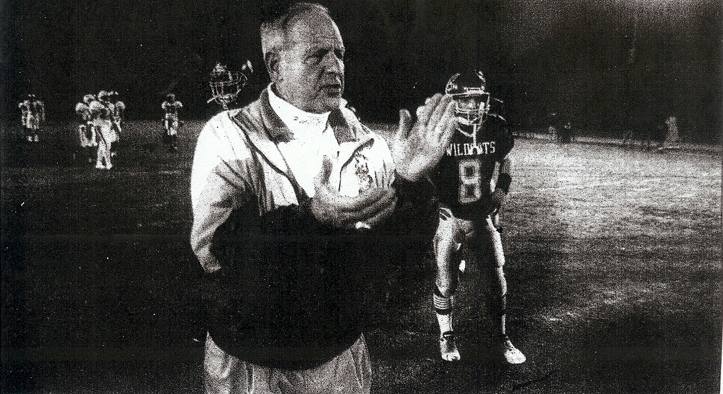 Meyer won 300th game in his 42nd season and 25th at El Camino.